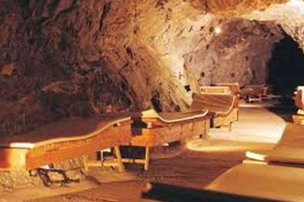 ajabgajab inside the austrian mountain that offer an amazing cure - OMG News in Hindi