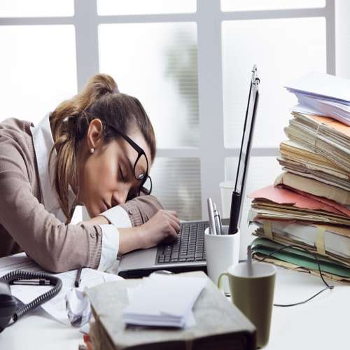 Important things for desk job workers - Lifestyle News in Hindi