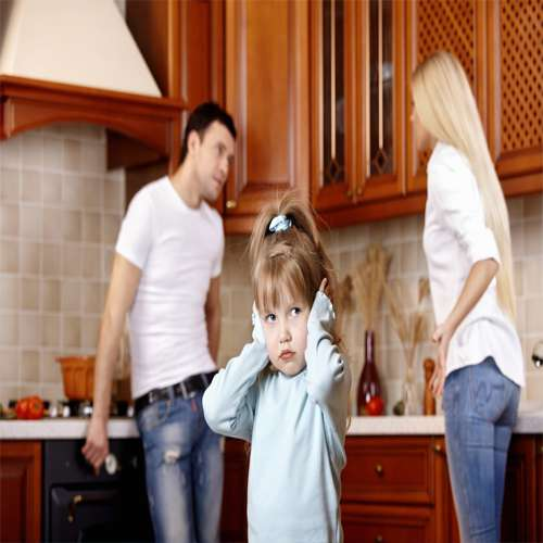 5 Dangerous affect of parents fight on children, Even causes death too - Lifestyle News in Hindi