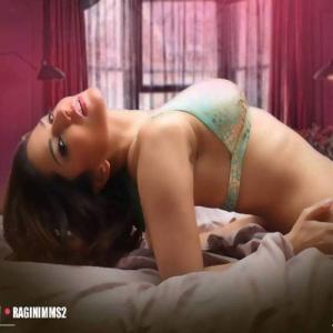 PICS : Sunny\'s orgasm sequence from Ragini MMS2!