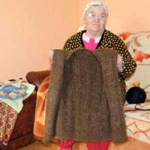 अनूठा कारनामा, महिला ने बालों से बनाया कोट