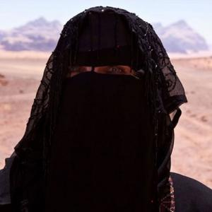 news isis diktat for women full veil shapeless clothes