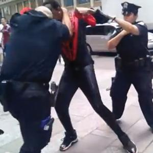 ajabgajab dressed as spiderman man punched a policeaman in newyork