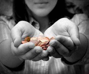ये चीजें देंगे दान, तो जीवन में होते रहेंगे चमत्कार