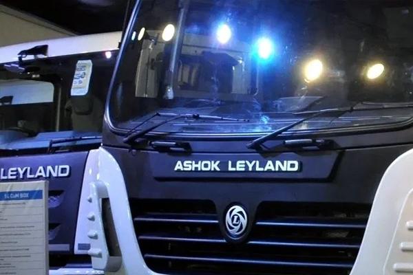 ashok leyland launches 14 wheeler truck 473351