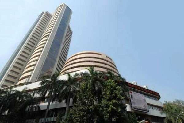 sensex breaks 627 points under selling pressure nifty also slipped 154 points 473859