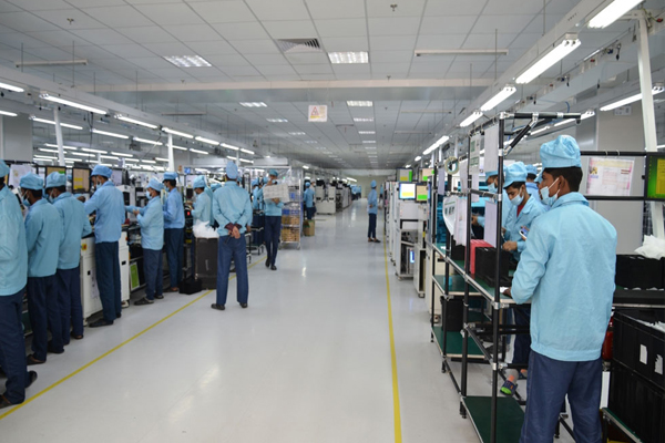 oppo now manufactures 1 smartphone every 3 seconds in india 474041