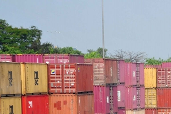 india exports in april rise to $302 bn trade deficit surges 477119