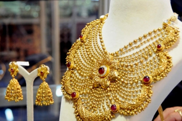gold price is close to 48 thousand per 10 grams silver 70 thousand per kg 483900
