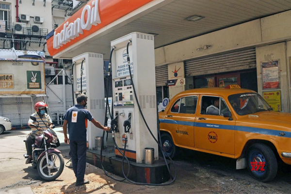 no change in fuel prices even on day 5 485557