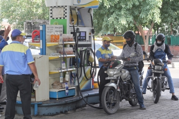 no change in petrol diesel prices on monday 491365