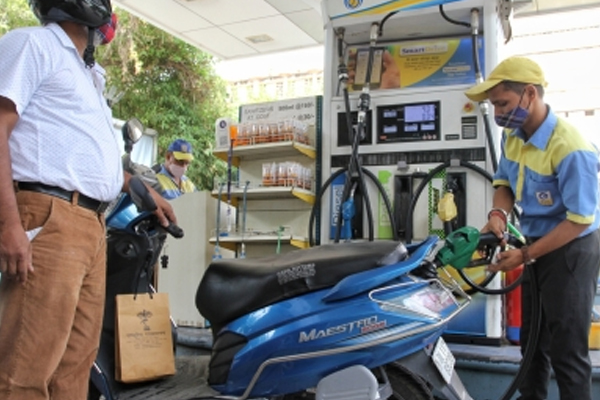 rising fuel prices accelerate demand for cng vehicles 492385