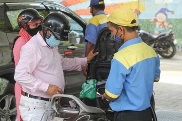 petrol diesel price rise pause after a week of increase 493336