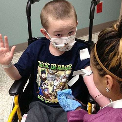 Colorado boy Jaiden Rogers suffers stiff skin syndrome turning him to stone - OMG News in Hindi