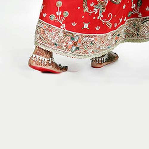 अधेड़ ने कर्ज लेकर की दूसरी शादी, पत्नी गहने लेकर फुर्र