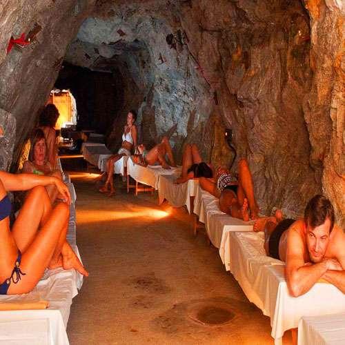 इस गुफा का चमत्कार सुनकर रह जाएंगे दंग