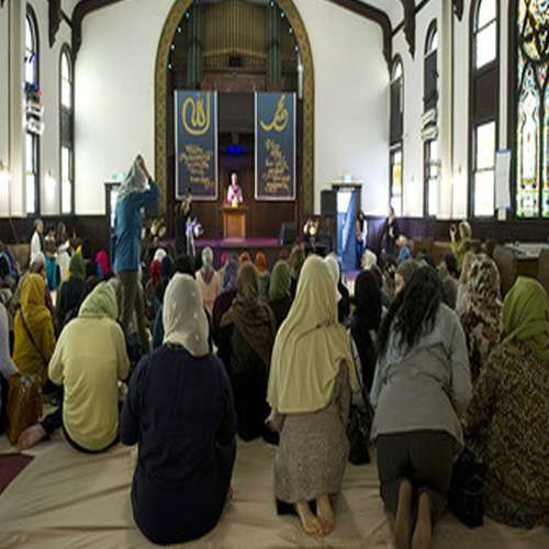 The men kept out of the mosque, reading the prayers only women But why - OMG News in Hindi