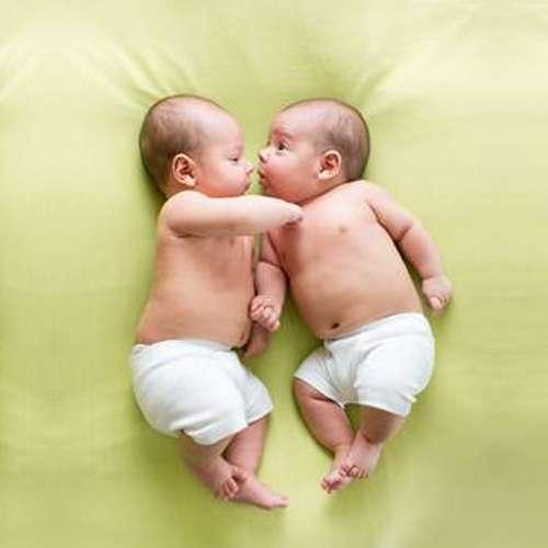 ऐसी महिलाओं के ही पैदा होते हैं जुडवां बच्चे!