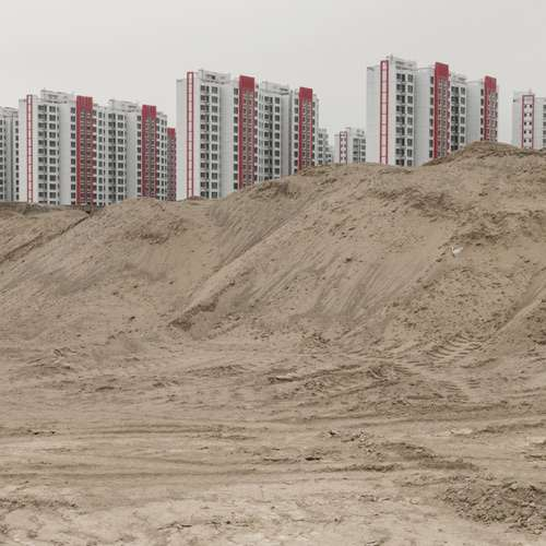 Along the new Silk Road a city built on sand is a monument to Chinas problems - OMG News in Hindi