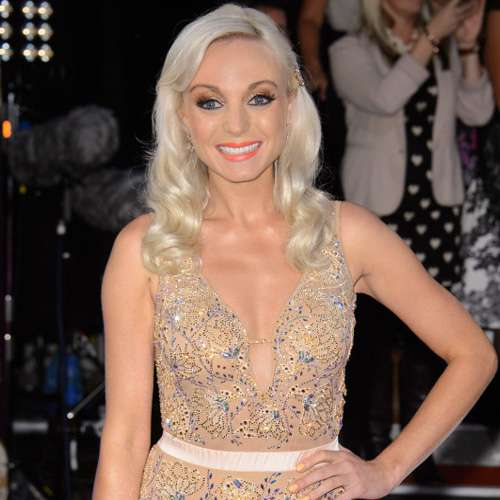 Helen George cannot do without makeup - Hollywood News in Hindi