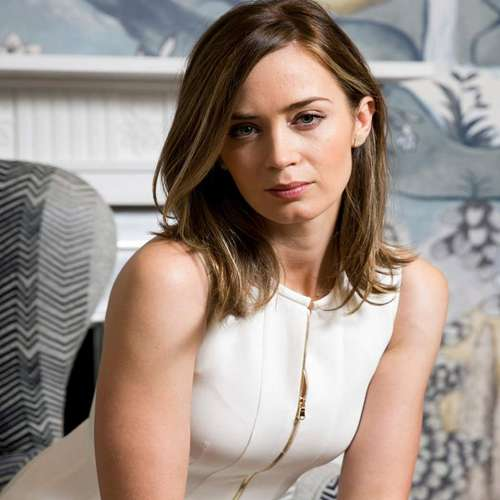 Emily Blunt sometimes forget her pregnancy stage - Hollywood News in Hindi