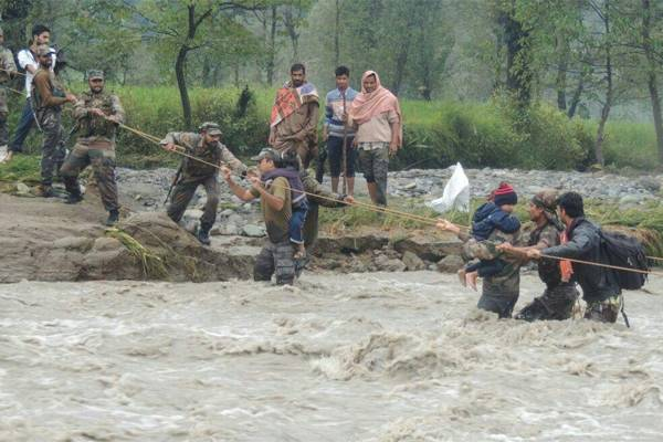 Jammu and Kashmir: Now 25 thousand people rescued - India News in Hindi