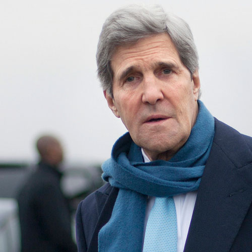 john kerry visits ITI, impressed with students - India News in Hindi