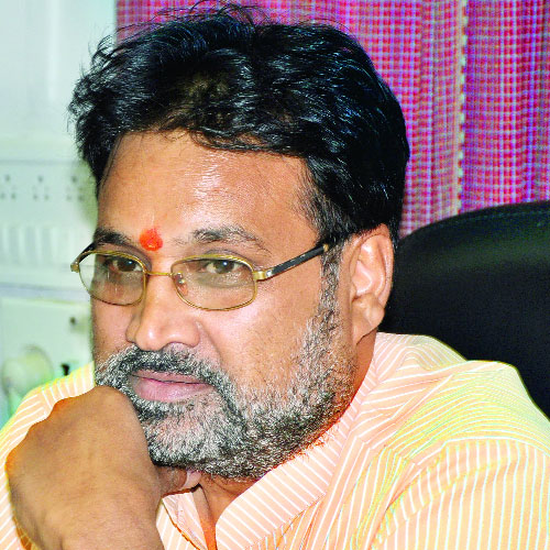 NEWS laxmikant sharma journey from pujari to minister - News in Hindi