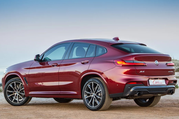 BMW X4 20d M offering discounts of up to Rs. 14 lakh