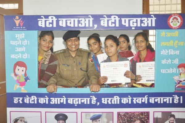 राष्ट्रीय बालिका दिवस : प्रभात फेरी, पोस्टर पेटिंग प्रतियोगिता व सांस्कृतिक कार्यक्रमों की धूम