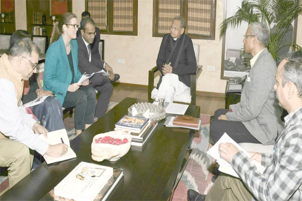 Chief Minister Ashok Gehlot meeting with representatives of Childrens Investment Fund Foundation - Jaipur News in Hindi