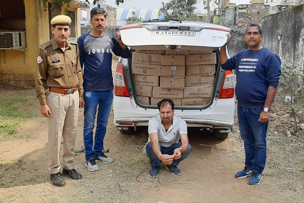 A smuggler arrested with illegal liquor worth Rs 1.5 lakh in Chaumu police station area of Jaipur - Jaipur News in Hindi
