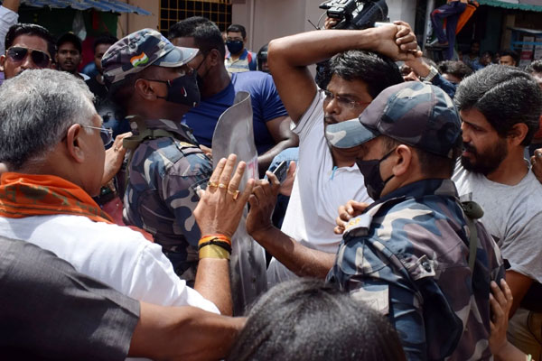 EC takes cognisance of Dilip Ghosh incident, seeks report - Kolkata News in Hindi