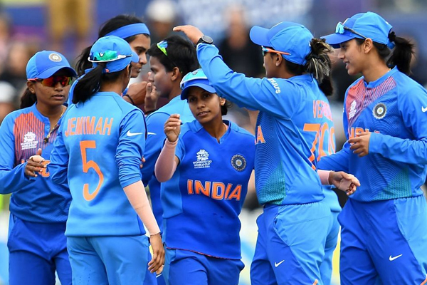 Women T20 World Cup : India enter in semifinal to beat New Zealand by 1 wicket - Cricket News in Hindi