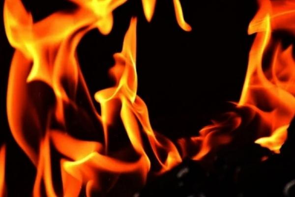 1 killed, 14 injured in Dhaka chemical warehouse fire - World News in Hindi