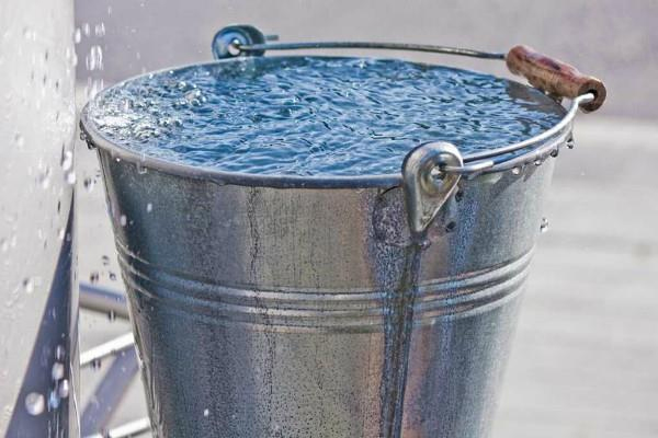 Difficulties in life start increasing, so the water you bathe in… - Jyotish Nidan in Hindi