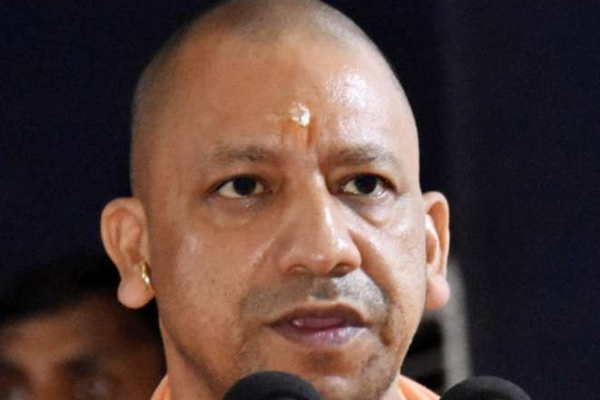 Uttar Pradesh: 4 officers demoted and made Peon, Watchman - Lucknow News in Hindi