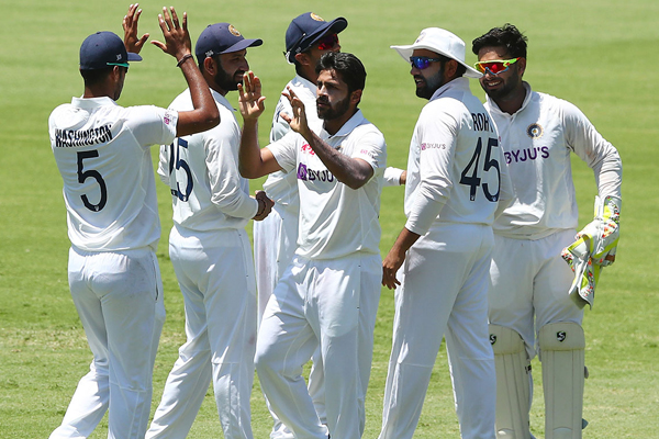 Ind vs Aus 4th Test: Australia bowled out for 369 at lunch - Cricket News in Hindi
