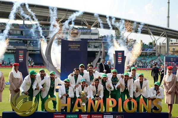 Champions Trophy final pakistan beat india by 180 runs to clinch champions trophy - Cricket News in Hindi