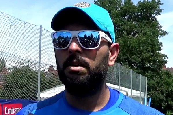 Champions Trophy : Yuvraj Singh reaction about his 300 odi match - Cricket News in Hindi