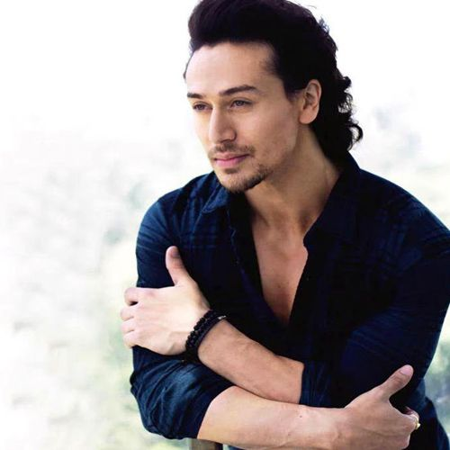 Tiger Shroff show cases singing talent tv - Television News in Hindi