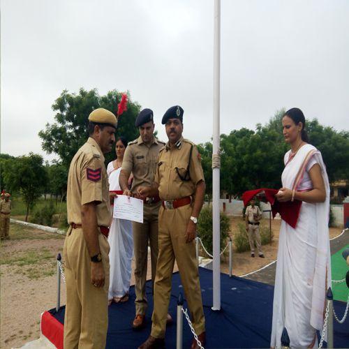 award given by police ig - Churu News in Hindi