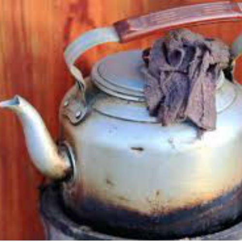 doctors wife had poured boiling tea on innocent of 12 years girl - Lucknow News in Hindi