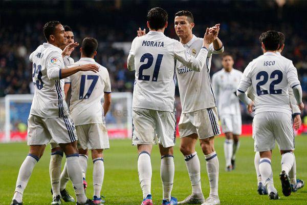 Spanish League : Real Madrid football club beat Real Sociedad by 3-0 - Football News in Hindi