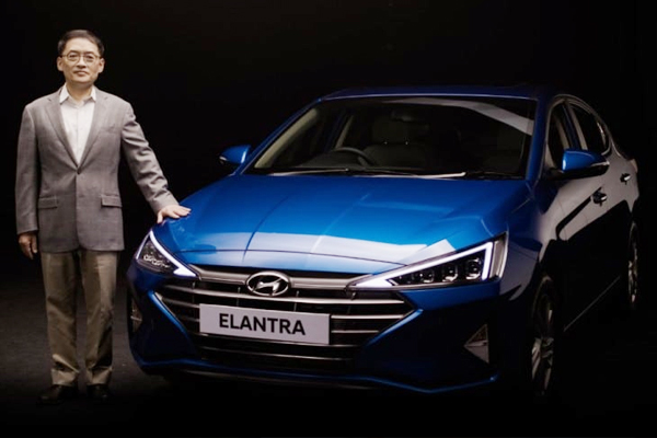 Hyundai India launches the Elantra facelift - Automobile News in Hindi