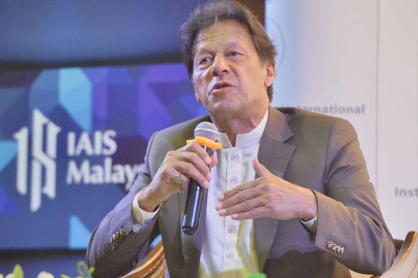 Pakistan PM Imran Khan Fumes Against India - World News in Hindi