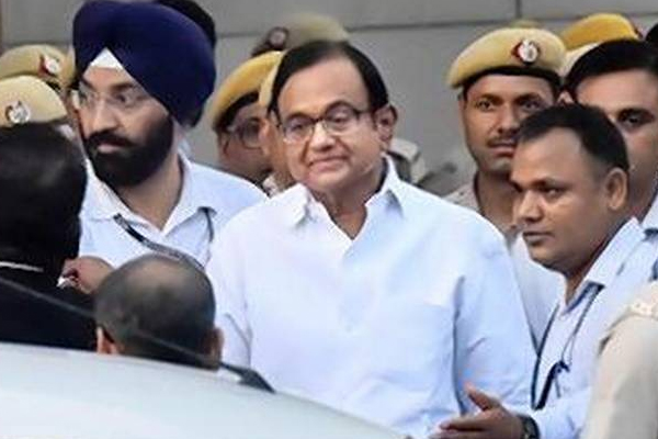 Court issues production warrant against P Chidambaram for October 14 - Delhi News in Hindi