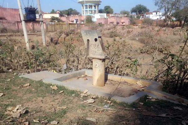 deep water crisis in Jhansi Slide 2-m.khaskhabar.com