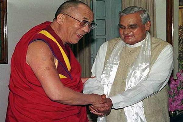 Vajpayee was a true dedicated leader: Dalai Lama - Dharamshala News in Hindi