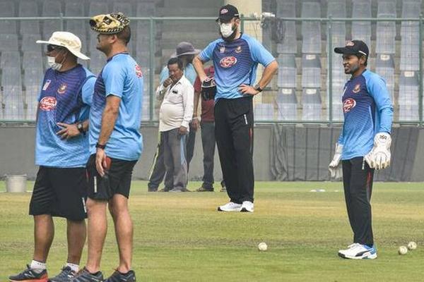 First T20 Match : Bangladeshi coach Russell Domingo reaction delhi air pollution - Cricket News in Hindi